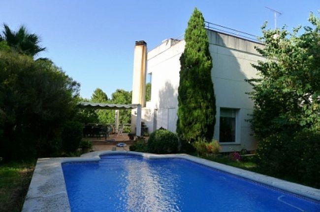 Villas in Pedreguer Modern villa for sale in La Sella Golf