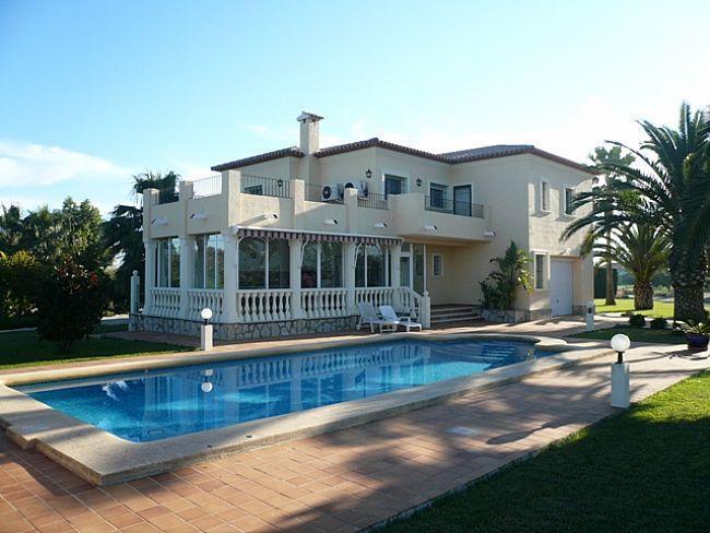 Villas in DENIA Villa for sale with large plot in Las Marinas Denia