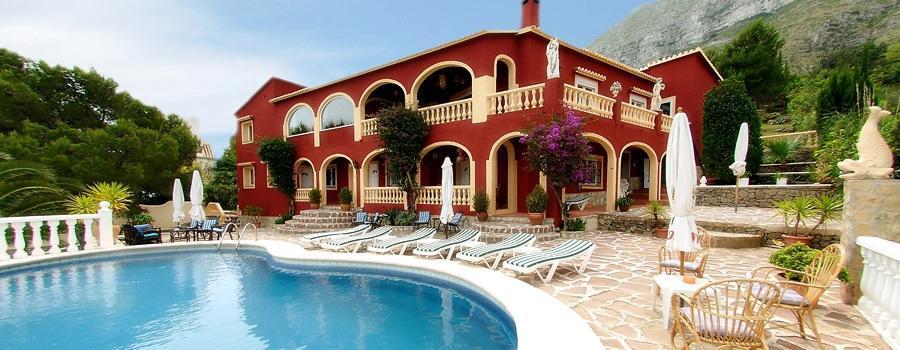 Villas in DENIA Villa for sale in Denia with hostel license