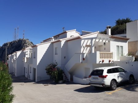 Bungalow in Pedreguer Semi-detached house for sale with swimming pool and sea views