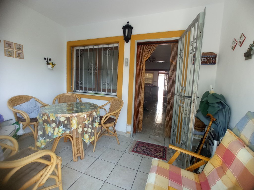 Bungalow in Vergel Townhouse for sale 3 bedrooms near the beach