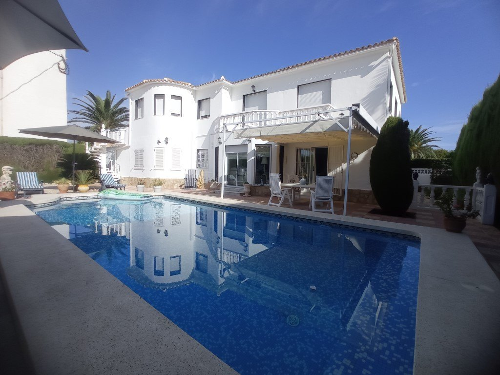 Villas in Els Poblets Villa for sale in els Poblets near the beach